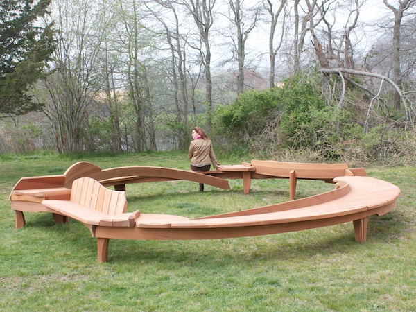 Circle bench #1 showing sweeping curves